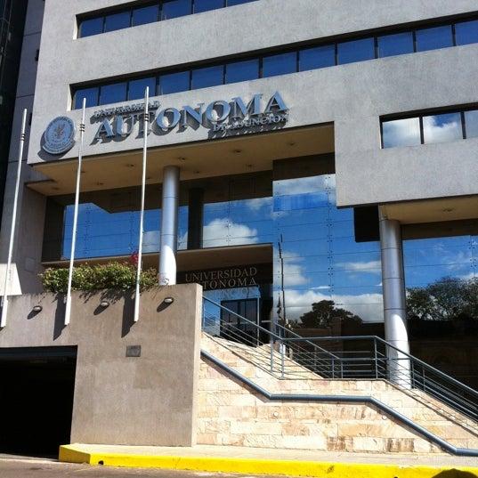 Foto tomada en Universidad Autónoma de Asunción por Jose L. el 8/2/2011