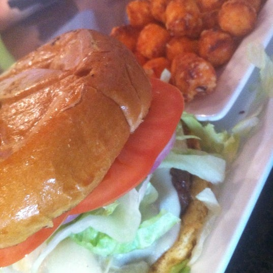 Photo taken at Rehab Burger Therapy by Schmooze A. on 7/5/2012