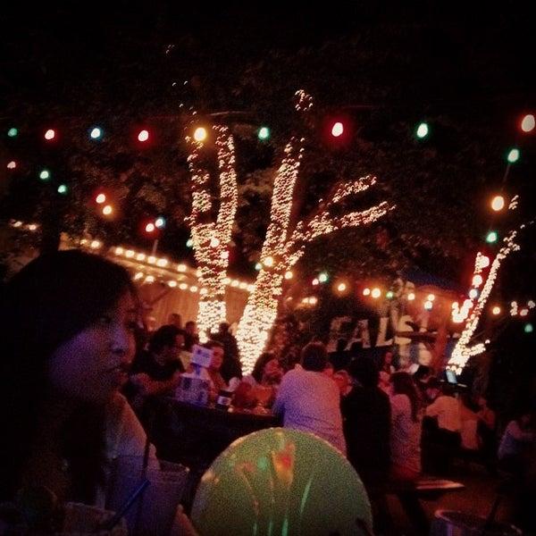 Photo taken at Katy Trail Ice House by Andy Y. on 8/18/2012