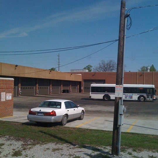 Photo taken at Kalamazoo Transportation Center - Amtrak (KAL) by Amanda L. on 4/27/2012