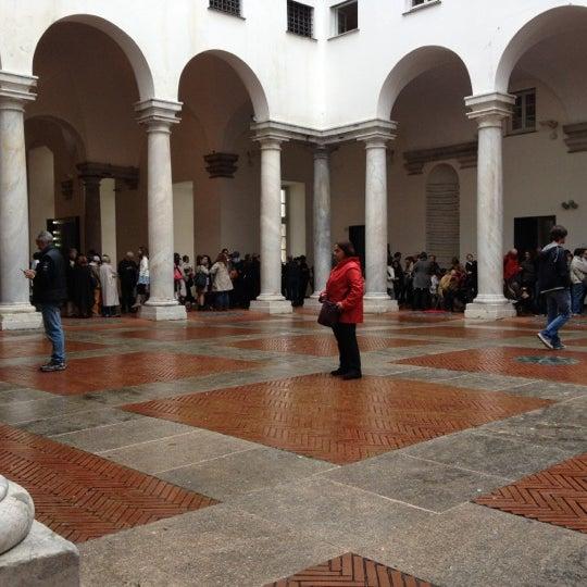 Foto scattata a Palazzo Ducale da SilviaAnsu il 4/30/2012
