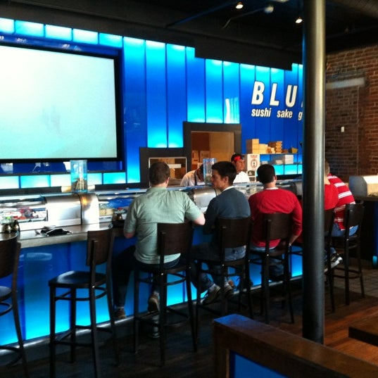 Photo taken at Blue Sushi Sake Grill by Pablo L. on 3/28/2012
