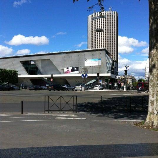 Photos at place de la porte maillot plaza in paris for Porte maillot