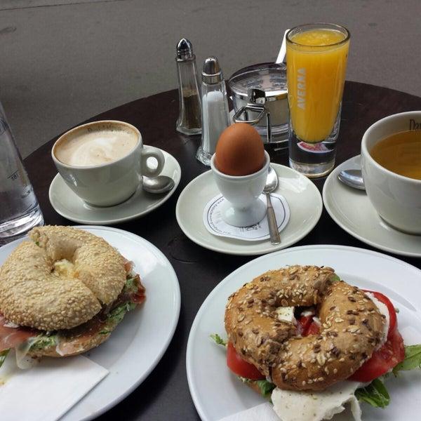 Frühstück bis 14 Uhr!