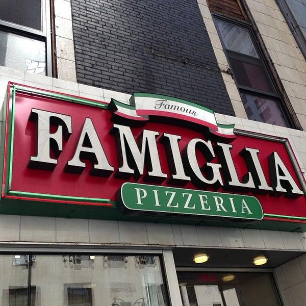 Famiglia pizzeria italian restaurant in new york for Casa famiglia new york