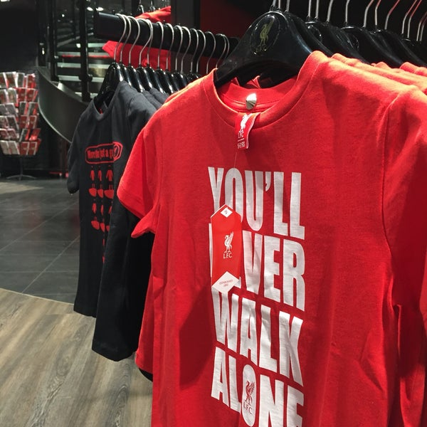 Photo taken at Liverpool FC Official Club Store by Mónica V. on 10/15/2016