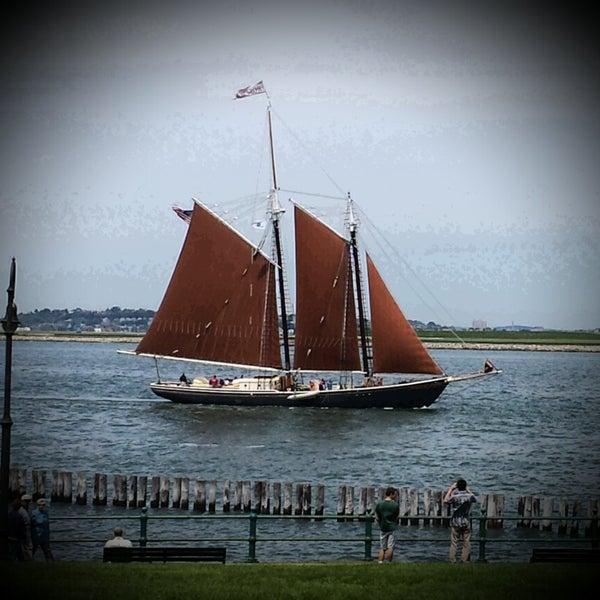 5/28/2013 tarihinde Lindsay O.ziyaretçi tarafından Castle Island'de çekilen fotoğraf