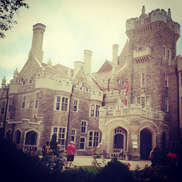 Photo taken at Casa Loma by Henrique G. on 7/11/2013