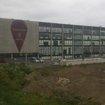 Foto tomada en Universidad Andrés Bello por Omar R. el 11/29/2012