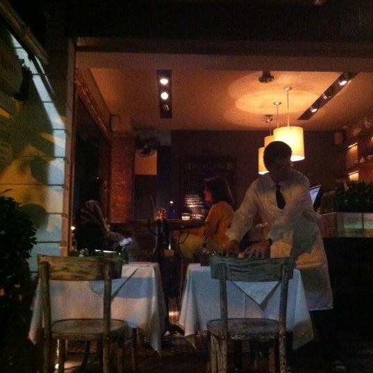 Foto tomada en Rocco & Simona Pizza al Forno por Anina el 10/14/2012