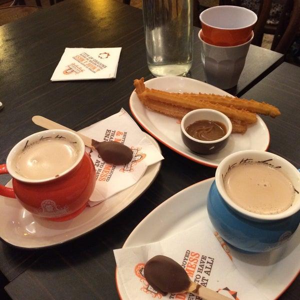 Foto diambil di Chocolateria San Churro oleh Dean M. pada 5/29/2015