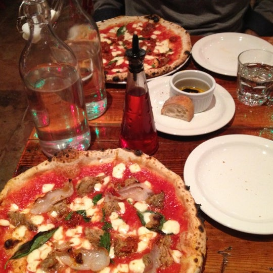 Photo prise au Pizzeria Libretto par Brad C. le12/15/2012