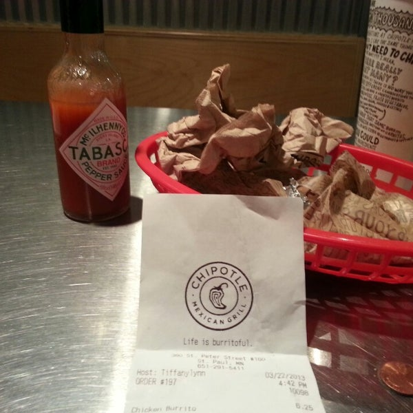 Photo taken at Chipotle Mexican Grill by Jon D. on 3/22/2013