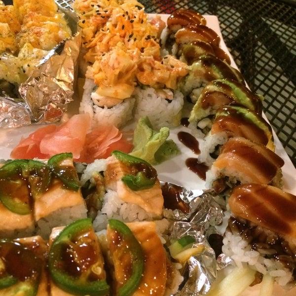 Photo prise au Sushi O Bistro par Kate L. le7/19/2014