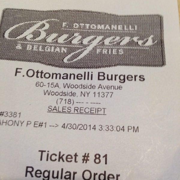 Foto tomada en F. Ottomanelli Burgers and Belgian Fries por Dominic S. el 4/30/2014