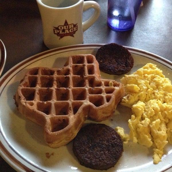 Das Foto wurde bei Our Place Restaurant von Eric E. am 2/20/2014 aufgenommen