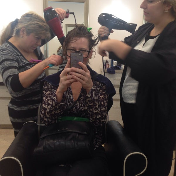 Photo taken at Hollywood Salon by Betsy F. on 11/20/2015