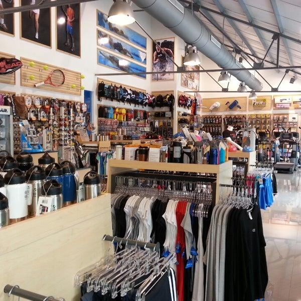 tienda north face multiplaza escazu