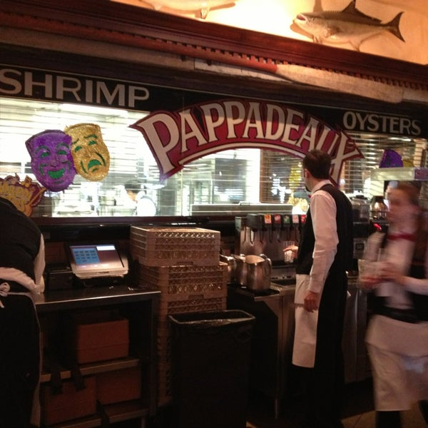 Photo taken at Pappadeaux Seafood Kitchen by Julie T. on 2/2/2013