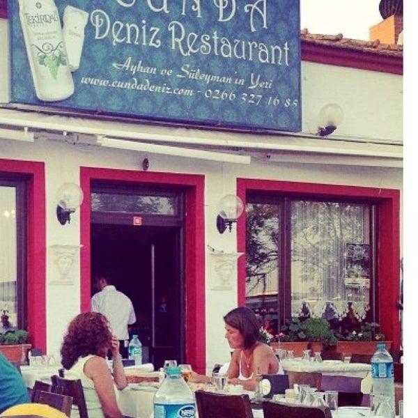 7/5/2013 tarihinde Nurcan Sarkın Zeyrek⚡⚡ziyaretçi tarafından Cunda Deniz Restaurant'de çekilen fotoğraf