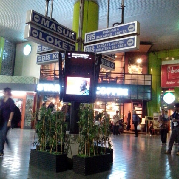 Photo taken at Stasiun Gambir by Eko W. on 4/5/2013