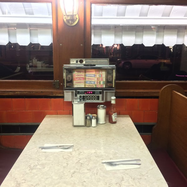 Photo taken at Tastee Diner by andrey on 1/9/2016
