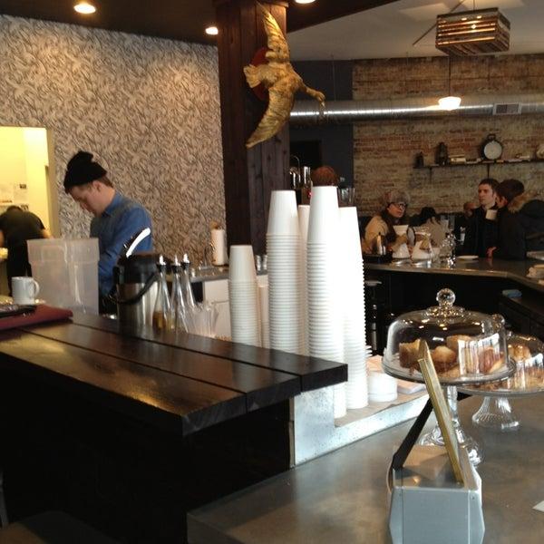 Foto tomada en Gaslight Coffee Roasters por Sean H. el 2/2/2013