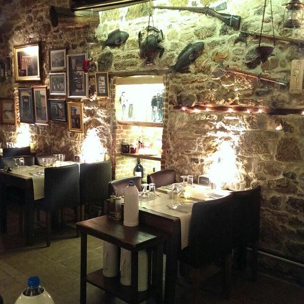 12/27/2013 tarihinde Gencer T.ziyaretçi tarafından Yengeç Restaurant'de çekilen fotoğraf