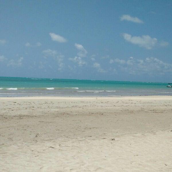 Foto tirada no(a) Praia de São Miguel dos Milagres por Carlos C. em 10/6/2015