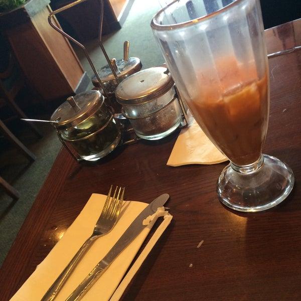 รูปภาพถ่ายที่ Thai Original BBQ & Restaurant โดย Christine เมื่อ 4/1/2015