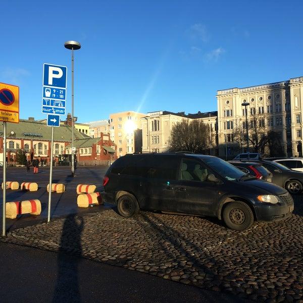 Das Foto wurde bei Hietalahdentori von Rasmus S. am 12/5/2016 aufgenommen