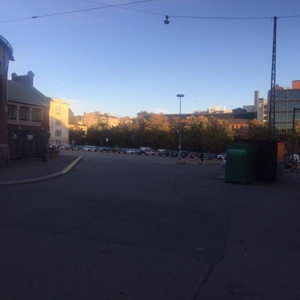 Das Foto wurde bei Hietalahdentori von Rasmus S. am 10/3/2016 aufgenommen