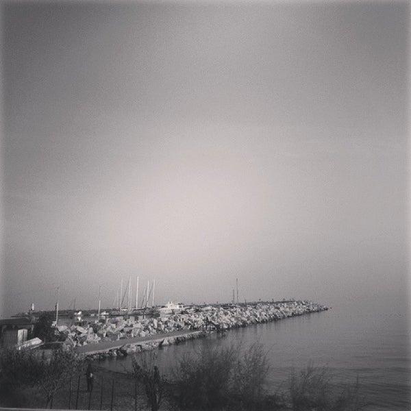 11/3/2013 tarihinde Nuriye M.ziyaretçi tarafından Küçükkuyu Limanı'de çekilen fotoğraf