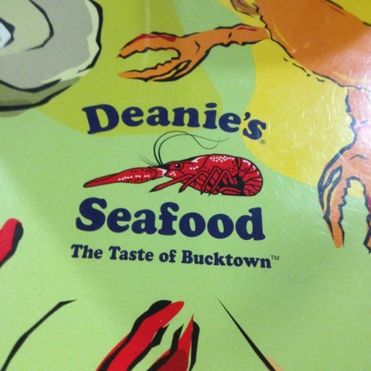 Photo taken at Deanie's Seafood by Maggy Fancy F. on 11/26/2012