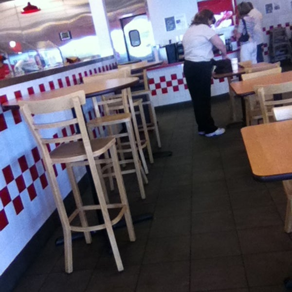 Photo taken at Five Guys by 🌼Veronica🌼 on 5/6/2013