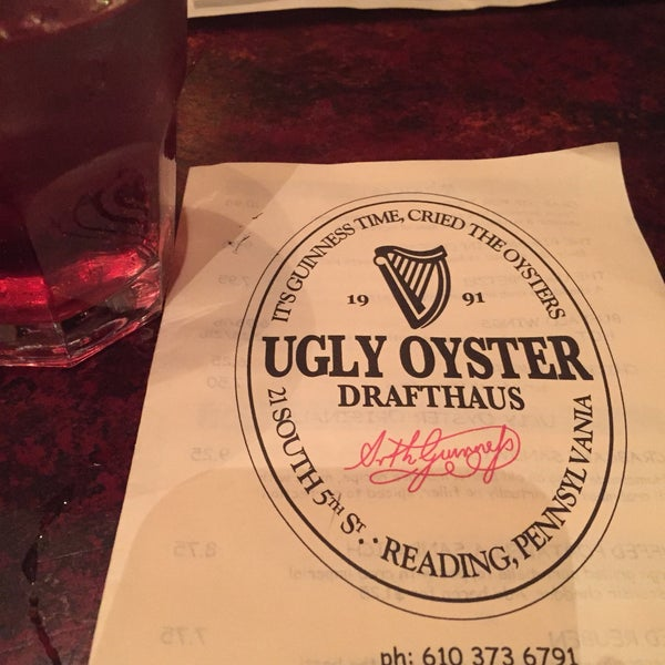 Photo taken at Ugly Oyster Drafthaus by Emma G. on 11/16/2016