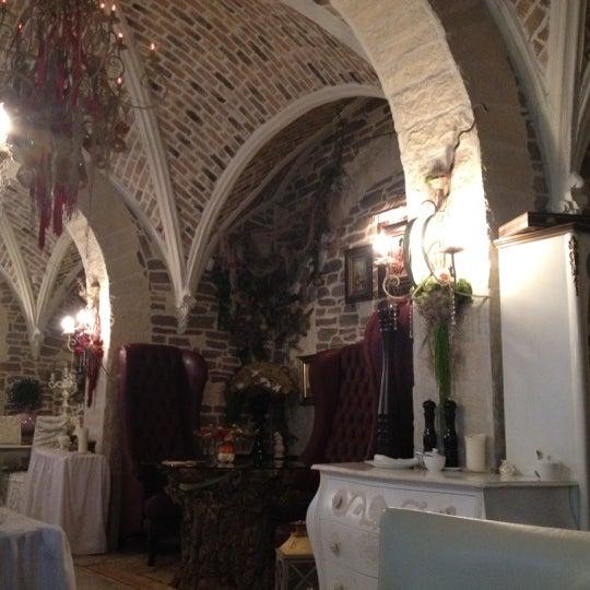 Photo taken at Chateau de Fleurs by Ksenia T. on 10/19/2012