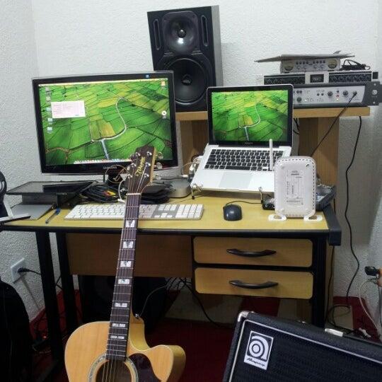 photo taken at inova music estdio by wagner f on 825