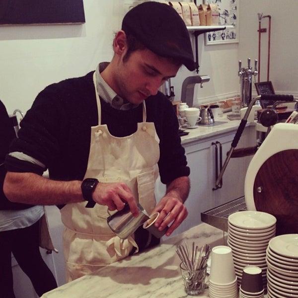 Foto scattata a Toby's Estate Coffee da Chenyu il 11/16/2013