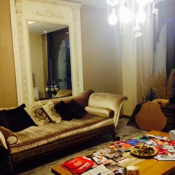 Das Foto wurde bei Room room Boutique Hotel von Tb am 11/30/2014 aufgenommen