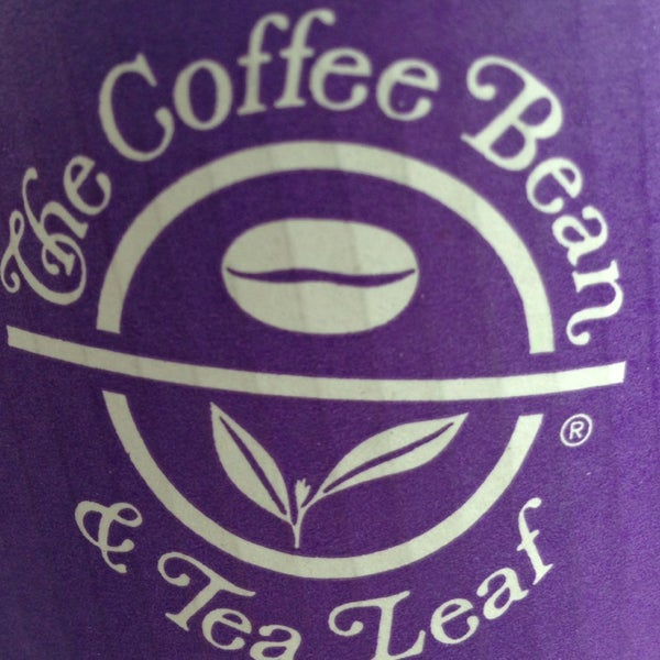 Photo taken at The Coffee Bean & Tea Leaf by ღDeeღ ღ. on 5/25/2014