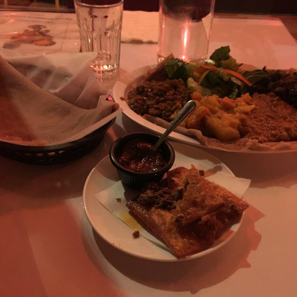 Photo taken at New Eritrea Restaurant & Bar by shahad k. on 5/10/2016