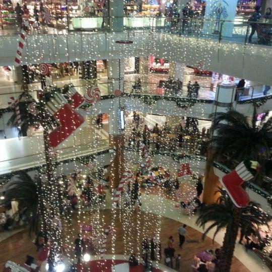 12/22/2012 tarihinde Kadirziyaretçi tarafından Spectrum Cineplex'de çekilen fotoğraf