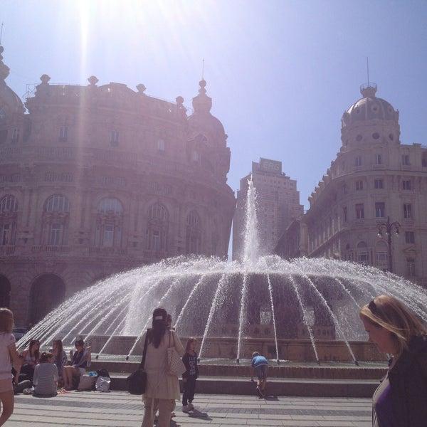 Foto scattata a Piazza de Ferrari da Umka il 5/4/2013