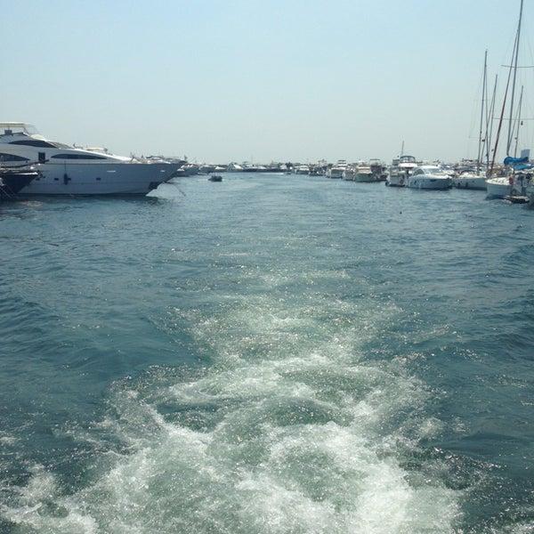 7/13/2013 tarihinde EsiLziyaretçi tarafından Ataköy Marina'de çekilen fotoğraf