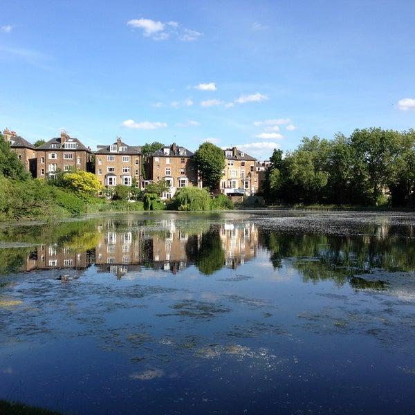 6/29/2013 tarihinde Harmonyyahoo Z.ziyaretçi tarafından Hampstead Heath'de çekilen fotoğraf