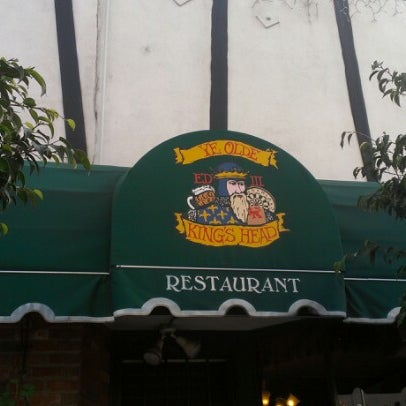 Photo taken at Ye Olde King's Head by Trista P. on 11/22/2012