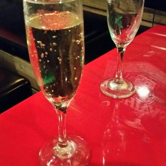 Foto tomada en Red Koi Thai & Sushi Lounge por Marijah C. el 2/25/2016