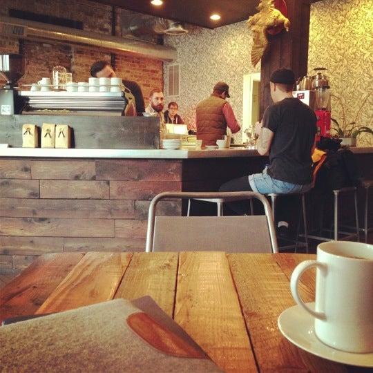 Foto tomada en Gaslight Coffee Roasters por Aaron L. el 12/6/2012