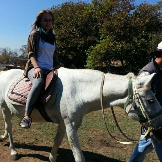 9/23/2012 tarihinde Ceyda A.ziyaretçi tarafından AtlıTur At Çiftligi'de çekilen fotoğraf